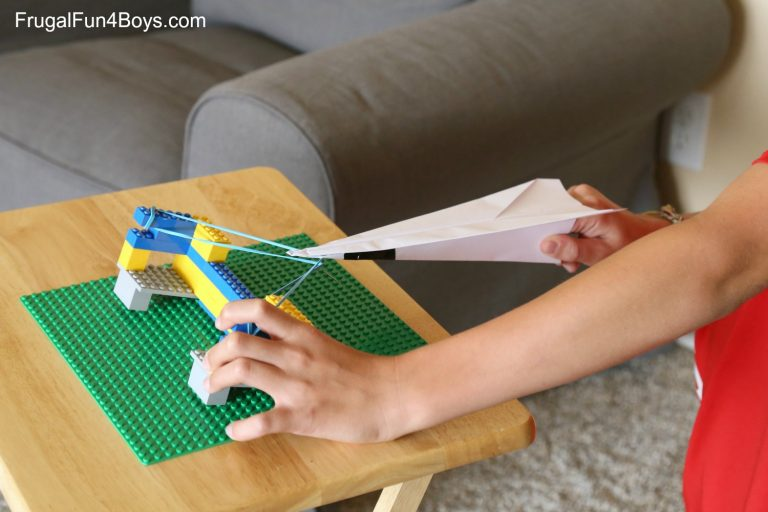 paper-airplane-launcher-6-edited-768x512